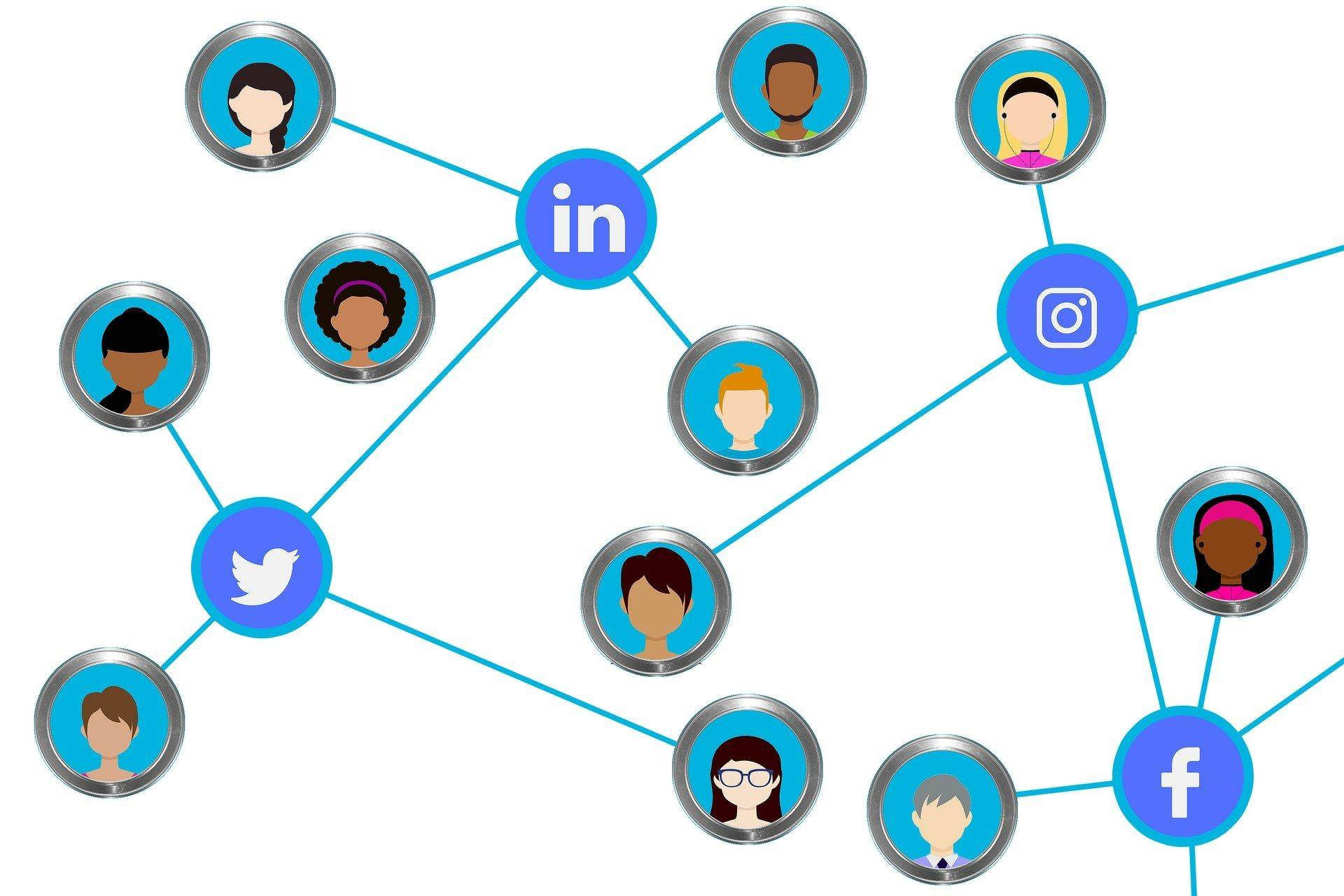 social-media-3136897_1920751876909.jpg